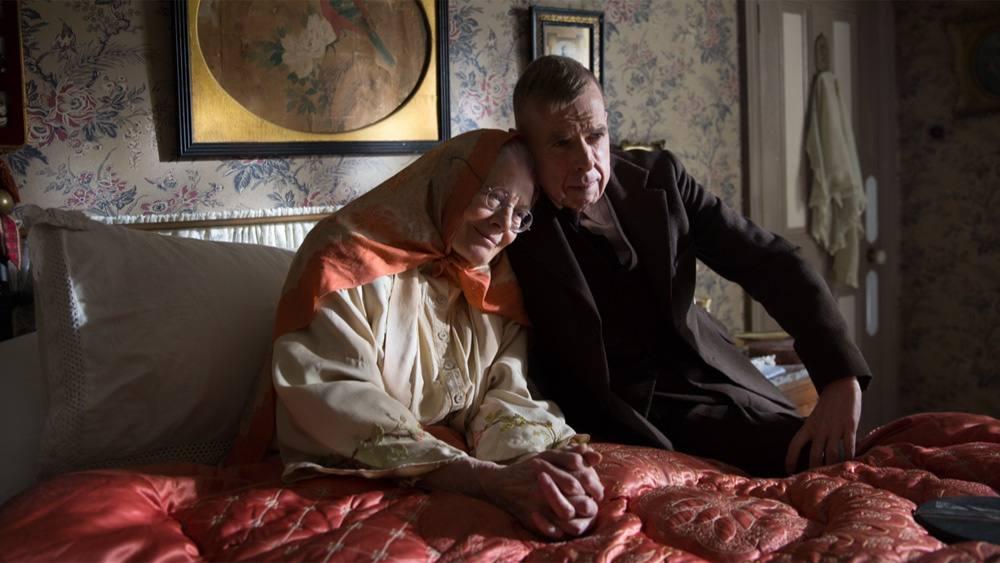 دانلود فیلم خانم لاوری و پسرش